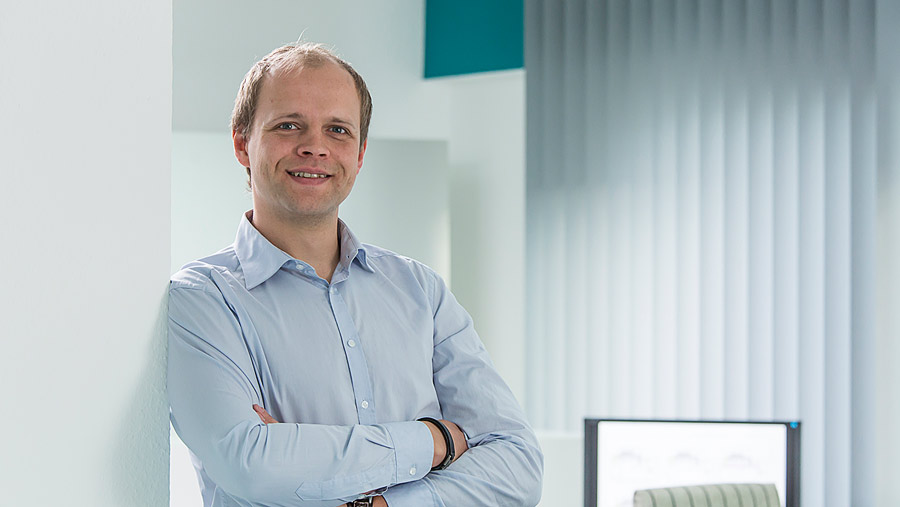 Simon Knefel